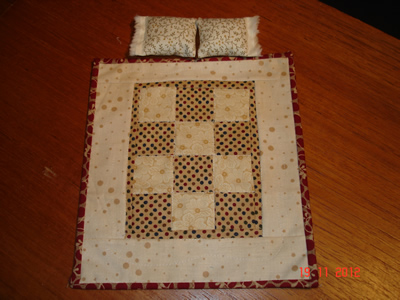 beige-double-quilt-+-2-pillows.jpg